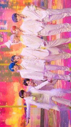 Bts Jimin, Bts Bangtan Boy, Taehyung, Namjoon, K Pop, Bts Group Photos, Bts Beautiful, Park Ji Min, Bts Backgrounds