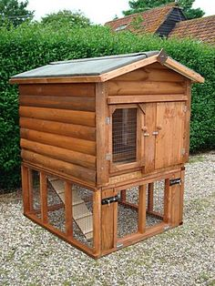Wooden Bunny hutch    A bunny house for Itchy and Scratchy