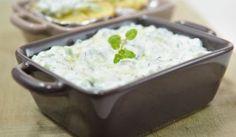 Tzatziki (uhorkový šalát s jogurtovým krémom) Tzatziki, Potato Salad, Mashed Potatoes, Food And Drink, Pudding, Ethnic Recipes, Desserts, Whipped Potatoes, Tailgate Desserts