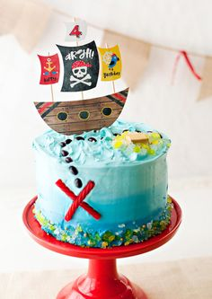 Playful & Modern Pirate Birthday Party Ideas // Hostess with the Mostess® If you're on a *treasure* hunt for pirate party ideas.) I'm excited to share the new Pirate Birthday Party theme that I recently Birthday 60, Pirate Birthday Cake, 6th Birthday Parties, Birthday Ideas, Boy Birthday Cakes, Pirate Cupcake, Party Mottos, Pirate Kids, Pirate Theme