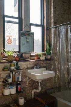 Michael Allen — Designer & Craftsman, Apartment, Williamsburg, New York City  (© Brian Ferry für Freunde von Freunden)