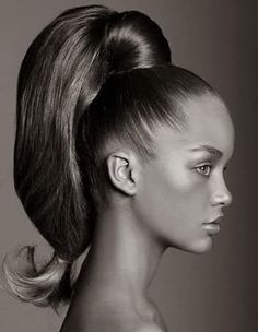 Love this high pony tail!