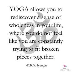 Weight loss, improved strength and stress reduction are just some of the reasons to start yoga. But you can also use yoga to improve flexibility. Yoga Meditation, Yoga Bewegungen, Meditation Quotes, Yoga Quotes, Yoga Art, Chakras, Yoga Inspiration, Yoga Phrases, Namaste