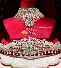 Indian Jewellery Designs - Page 5 of 1696 - Latest Indian Jewellery Designs 2020 ~ 22 Carat Gold Jewellery one gram gold Indian Jewellery Design, Indian Jewelry, Jewelry Design, Jewelry Accessories, Diamond Jewelry, Gold Jewelry, Jewelery, 22 Carat Gold, Jewelry Crafts