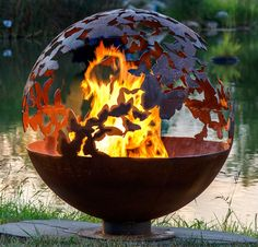 Kuliste palenisko w ogrodzie The Fire Pit Gallery