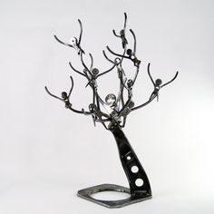 """Find out additional info on """"metal tree wall art decor"""". Have a look at our site. Leaf Wall Art, Metal Tree Wall Art, Metal Wall Decor, Modern Art Sculpture, Tree Sculpture, Tree Wall Decor, Wall Art Decor, Painting Shower, Metal Workshop"""