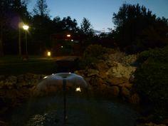 Il ruscello e la fontana del nostro giardino la sera d'estate!!!