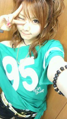 ojigi30do:  今日も またまた♪|田中れいなオフィシャルブログ「田中れいなのおつかれいなー」Powered by...