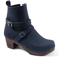 871ed9b412e8 Sandgrens SAVANNAH Swedish Clog Boots for Women Sandgrens  https   www.amazon.