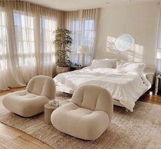 Room Ideas Bedroom, Home Bedroom, Bedroom Decor, Bedroom Inspo, Airy Bedroom, Korean Bedroom Ideas, 1980s Bedroom, Bedroom With Couch, Master Bedroom