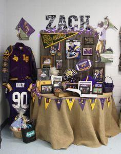 Zach's grad party table. :)