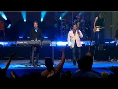 Michael Smith - (Duet With Israel Houghton) - Help Is On The Way