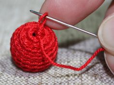 How to crochet beads ~ Note to self: Use with crocheted holly leaves.