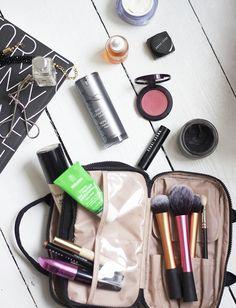 5 Things: My Travel Makeup Bag.