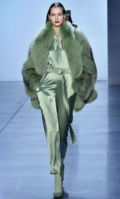 These Are the Biggest Fall 2019 Trends, Period Sally LaPointe Pistazientrend Herbst 2019 Look Fashion, Runway Fashion, Fashion Show, Womens Fashion, Fashion Tips, Fashion Websites, Fashion Outfits, Fashion Hair, Fashion Quotes