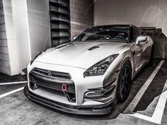 Nissan GTR best non-widebody kit Ive seen. Nissan GTR best non-widebody kit Ive seen. Nissan Gtr Nismo, Nissan Gtr Skyline, Sweet Cars, Top Cars, Trucks, Dream Cars, Supercars, Dream Garage, Vroom Vroom