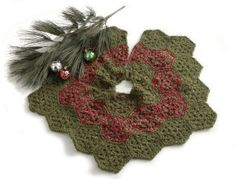 Free Crochet Pattern: Festive Tree Skirt