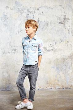 Finger in the nose Spring - Summer 2015 Dao Bleached Blue Magnolia - Denim Shirt Ewan Grey Denim - Comfort Fit jeans Little Boy Fashion, Kids Fashion Boy, Ikks Kids, Stylish Kids, Kid Styles, Child Models, Kids Boys, Cute Kids, Boy Outfits