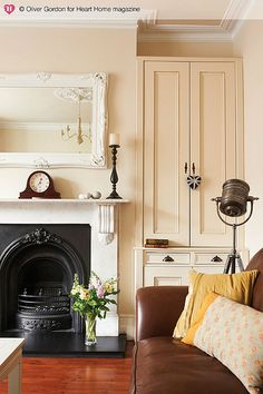 Turning a run-down Edwardian house into a character-filled family home was more than just a passing fancy for Hannah Gooch, as it led to her setting up an interior design business of her own. Alcove Storage, Alcove Shelving, Alcove Cupboards, Built In Cupboards Living Room, Shelves, Living Room Storage, My Living Room, Style At Home, Edwardian Haus