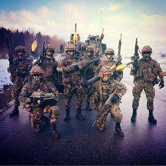 Badass Pz. Grenadier  Photo: @kiliannx  #switzerland #schweizerarmee #army #mighty_switzerland #swiss #alps #semperfi #tank #artillery #infantry #medic #photooftheday #svizzra #suisse #millitaire #guns #camouflage #green #grenadier #millitary #militär #armeesuisse #schweiz
