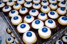 9. What food will you serve? #TheHostPremiereParty  Cupcakes :) I love them.