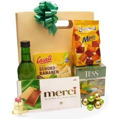 Cadou Pina Colada este un cadou deosebit cu ciocolata, vin, ceai si biscuiti.