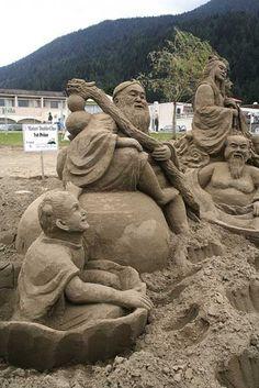 Amazing Sand Sculptures (2)