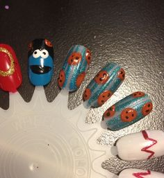 How to Make Cookie Monster Nails by FabuloCity Nail designs