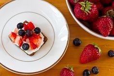 Berry Cheescake Bites