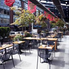 If you're looking for a day of al fresco dining or patio hopping, look no further than Yaletown. Thriving with trendy bars, boutique hotels