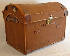 LARGE DOME SHIPPING TRUNK TRAVEL CASE VINTAGE LUGGAGE -  my grandparents came with 2 big trunks as they braved coming to America