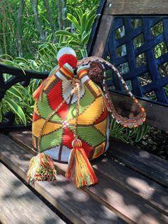 Authentic Wayuu Bag / wayuu mochila handmade by the Wayuu Indigenous of Colombia. wybag-15 on Etsy, $115.00