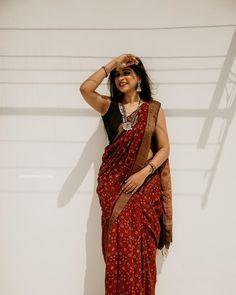 saree styles for farewell \ saree styles ` saree styles for farewell ` saree styles wedding ` saree styles modern ` saree styles for farewell modern ` saree styles for farewell teenagers ` saree styles classy ` saree styles for farewell classy Indian Bridal Outfits, Indian Designer Outfits, Diana Penty, Dress Indian Style, Indian Dresses, Moda Indiana, Saree Poses, Saree Look, Red Saree