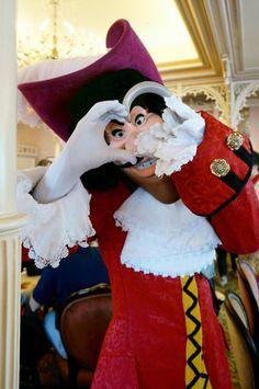 Captain Hook (Disney World) Disney Dream, Disney Love, Disney Magic, Disney Parks, Disney Pixar, Walt Disney, Disney World Characters, Disney Villains, Captain Hook Disney