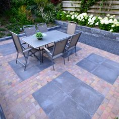 Ideas For Garden Design Decking Garage Outdoor Steps, Patio Layout, Garden Paving, Flagstone Patio, Backyard Pergola, Backyard Ideas, Small Gardens, Patio Design, Outdoor Rooms