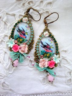 Vintage romantic Earrings bird spring crystal, glass and porcelain