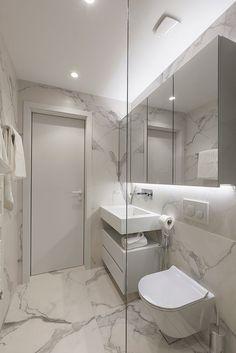 Small Bathroom Interior, Bathroom Design Luxury, Bathroom Layout, Modern Bathroom Design, Bathroom Styling, Toilet Room Decor, Best Bathroom Designs, Bathroom Design Inspiration, Bathroom Plans