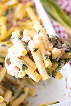 Ham And Noodle Casserole, Spinach Casserole, Pasta Casserole, Casserole Recipes, Ham Salad Recipes, Spinach Pasta Recipes, Ham And Cheese Pasta, Cheese Sauce, Campbells Soup Recipes