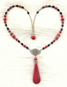 Vintage Crimson and Jet Art Deco Moulded Glass Long Pendant Necklace