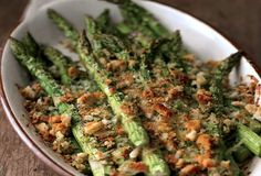 I love Asparagus. Asparagus is wonderful simply steamed and sprinkled with olive oil, lemon juice and salt, but when you want something a little more decadent, this creamless gratin is a perfect showcase for the ele. Side Dish Recipes, Vegetable Recipes, Vegetarian Recipes, Healthy Recipes, Yummy Recipes, Healthy Food, Yummy Food, Veggie Side Dishes, Vegetable Sides