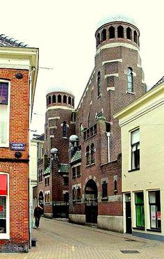 Groningen - Synagoge. Folkingestraat (vanaf Gedempte Zuiderdiep)