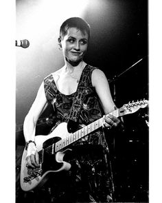 hoto by SAM MORGAN MOORE.  In a Coventry Pub. 1994. Just got this one in a better  quality.  #doloresoriordan #thecranberrie Dolores O'riordan, Coventry, Cranberries, Photo Archive, Rock N Roll, Britain, Rockers, Concert, Memes