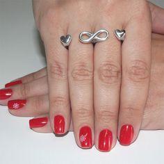 Presente para a debutante: anel com aro duplo com corações e símbolo do infinito da Prata Fina.