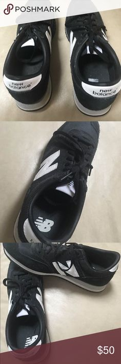 NEW BALANCE WOMEN'S ATHLETIC SHOES NEW BALANCE BLACK WOMEN'S ATHLETIC SHOES.  EXCELLENT CONDITION SZ 8.  GREAT LOOK FOR WORKING OUT OR PAIRED CASUAL WITH JEANS. NEW BALANCE Shoes Athletic Shoes