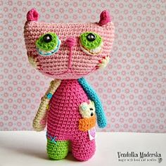 Magic with hook and needles: Crochet cat