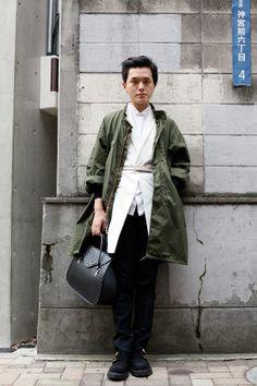 STREET SNAP | Hana | Aprogod | Man Japan, Japan Style, Street Snap, Japan Fashion, Hana, Military Jacket, Menswear, Clothing, Animals