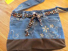 sac a main  fait a partir d un jeans peint a la main Oeuvres, Fashion, Dressmaking, Painted Jeans, Purse, Moda, La Mode, Fasion, Fashion Models