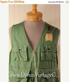 60% OFF Mothers Day Sale Mens 60's Vintage The A Line Fishing Vest Green Cotton with Rubberized Rayon Bag SZ L
