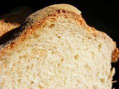 """Semmi különös ez a kenyér, """"csak"""" élesztővel készült, rövid idő alatt. Nem kell különösebben dagasztani, csupán hagyni jól megkelni. ..."""
