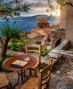 A photo journey in Greece Santorini, Mykonos, Monemvasia Greece, Happy Evening, Travel Goals, Greece Travel, Wonders Of The World, Countryside, Outdoor Living